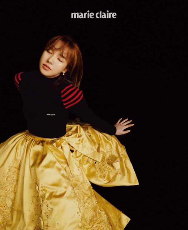 """Wendy (Red Velvet) """"đại náo"""" tạp chí sau 1 năm gặp tai nạn kinh hoàng ở SBS Gayo: Mặt biến dạng, nhưng visual vẫn gây bão MXH - Ảnh 6."""