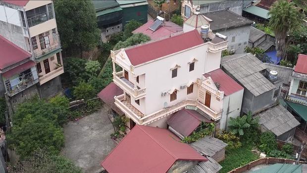 Không chỉ có biệt phủ 7 tầng, căn nhà của Độ Mixi tại Cao Bằng cũng chẳng phải dạng vừa đâu! - Ảnh 2.
