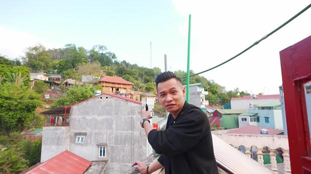 Không chỉ có biệt phủ 7 tầng, căn nhà của Độ Mixi tại Cao Bằng cũng chẳng phải dạng vừa đâu! - Ảnh 8.