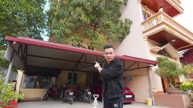 Không chỉ có biệt phủ 7 tầng, căn nhà của Độ Mixi tại Cao Bằng cũng chẳng phải dạng vừa đâu! - Ảnh 1.