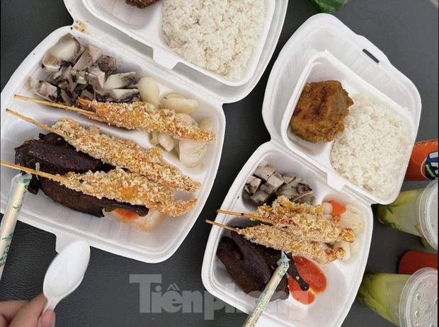 Công an, Thanh tra vào cuộc vụ bữa ăn bị cắt xén trong khu cách ly ở Quảng Ninh - Ảnh 3.
