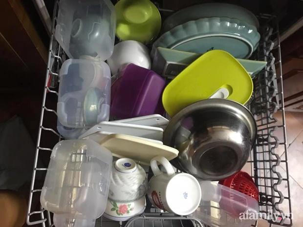 Mẹ đảm 3 con chia sẻ kinh nghiệm dùng máy rửa bát Bosch: Bát đĩa cứ sạch bong mà không tốn nhiều sức - Ảnh 3.