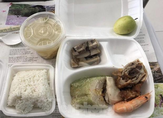 Công an, Thanh tra vào cuộc vụ bữa ăn bị cắt xén trong khu cách ly ở Quảng Ninh - Ảnh 4.