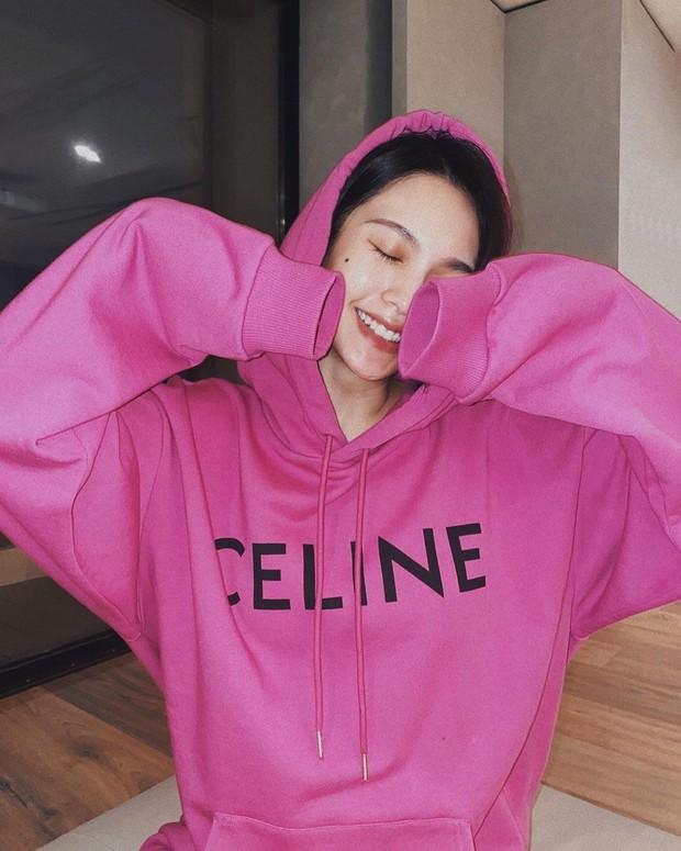 Ngoài Ngu Thư Hân, Dương Thừa Lâm cũng vướng nghi án diện áo hoodie y hệt Lisa - Ảnh 3.