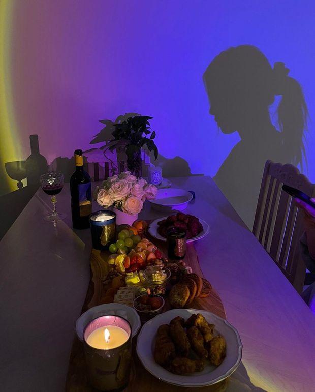 Valentine đã qua nhưng giờ Rosé (BLACKPINK) mới hé lộ nhân vật hẹn hò cùng cô, danh tính khiến dân tình ngã ngửa - Ảnh 2.