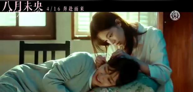 Đàm Tùng Vận tung hint bách hợp với gái đẹp 9X, có cả chồng yêu Đường Yên mà coi bộ anh nhà ra rìa rồi! - Ảnh 3.