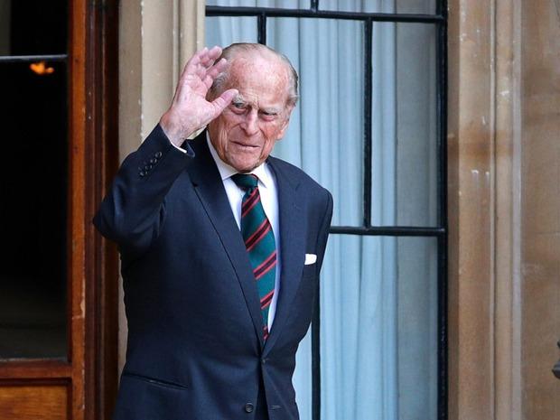 Phu quân Nữ hoàng Anh đột ngột nhập viện, dân chúng lo lắng cho sức khỏe của Hoàng thân trước thềm sinh nhật 100 tuổi - Ảnh 1.