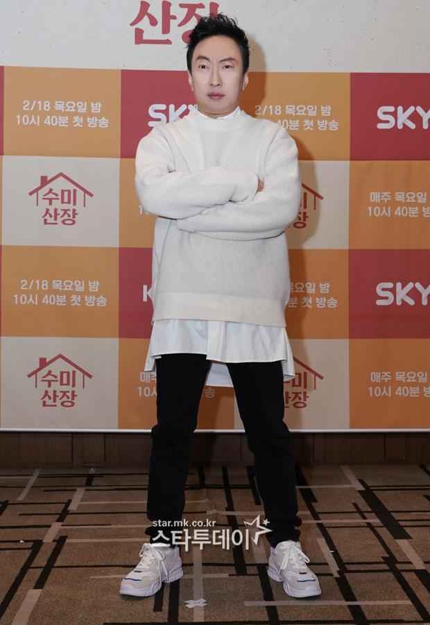 2 idol Kpop chiếm spotlight ở sự kiện: Tá hoả vì mặt trắng phớ của Eunji (Apink), Hani (EXID) khoe chân ai dè nổi gân kém xinh - Ảnh 9.