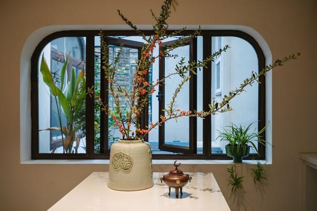 Ngôi nhà được cải tạo theo phong cách Viên lâm Á Đông: Ít đồ đạc, ít trang trí và ít màu sắc, sáng thoáng đặt làm đầu - Ảnh 6.