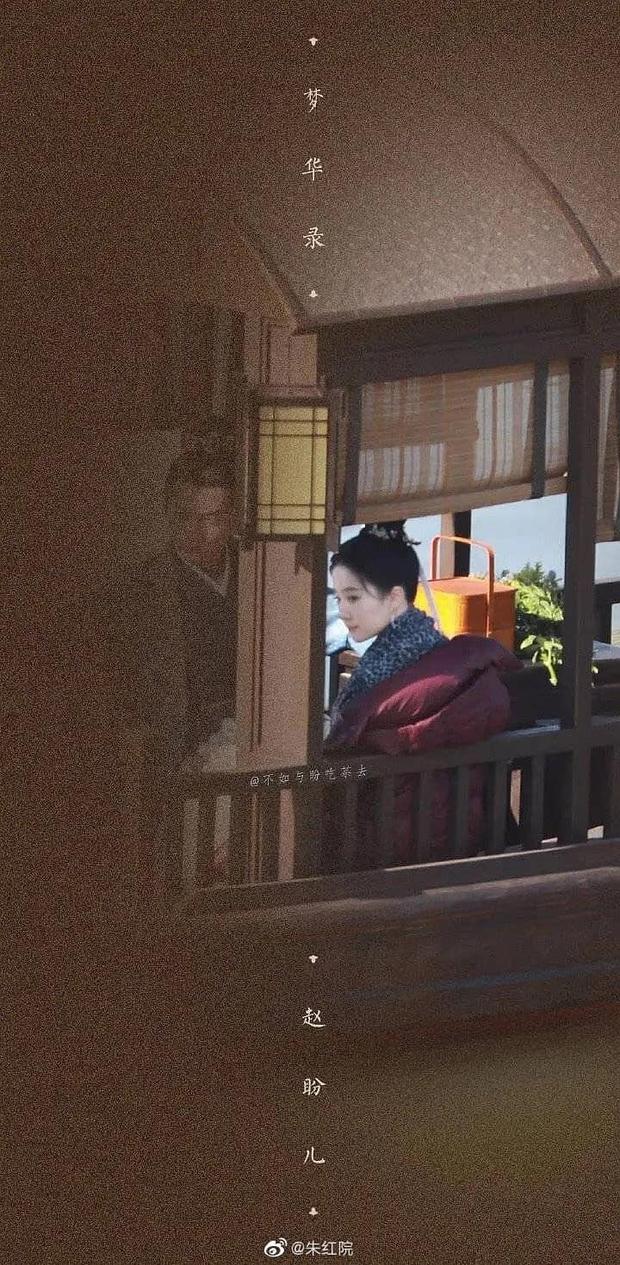 Lộ hình ảnh đầu tiên của Lưu Diệc Phi ở phim cổ trang mới: Nhan sắc chuẩn thời Tiểu Long Nữ nhưng fan sợ toang phần diễn xuất - Ảnh 2.