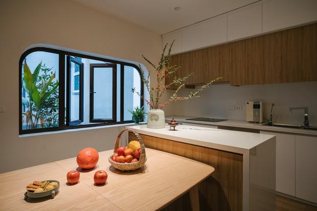 Ngôi nhà được cải tạo theo phong cách Viên lâm Á Đông: Ít đồ đạc, ít trang trí và ít màu sắc, sáng thoáng đặt làm đầu - Ảnh 5.