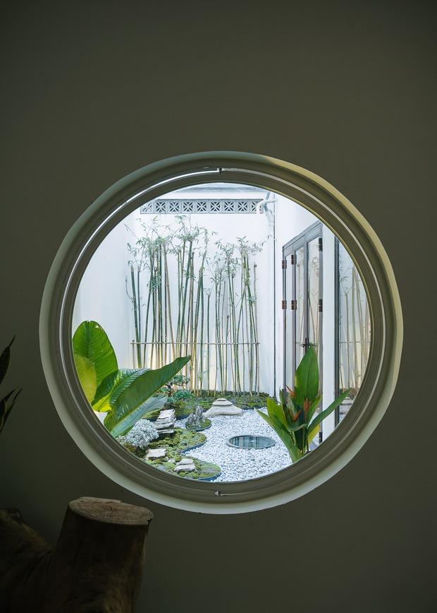 Ngôi nhà được cải tạo theo phong cách Viên lâm Á Đông: Ít đồ đạc, ít trang trí và ít màu sắc, sáng thoáng đặt làm đầu - Ảnh 16.
