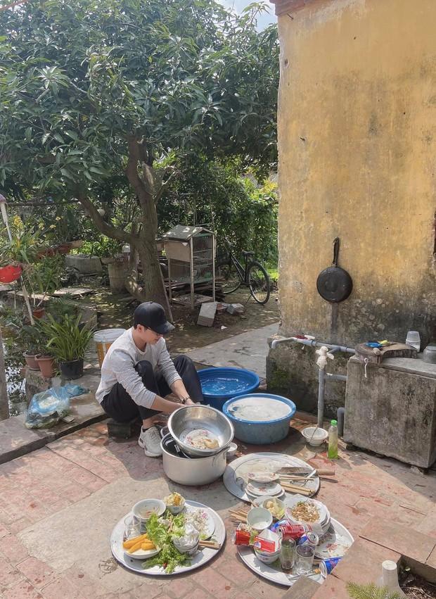 29 tuổi chưa có bồ, nam thanh niên bị phụ huynh khoán cho KPI rửa mấy mâm bát một mình - Ảnh 1.