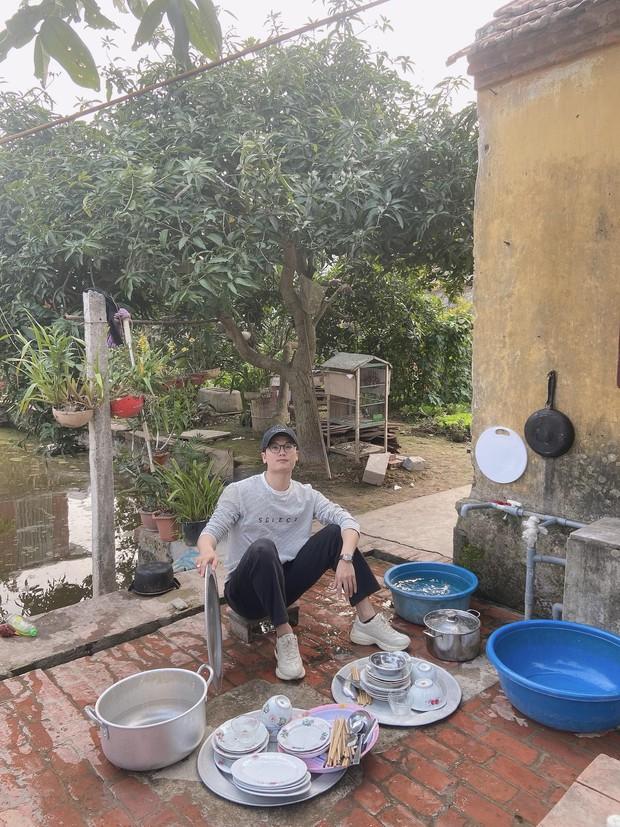 29 tuổi chưa có bồ, nam thanh niên bị phụ huynh khoán cho KPI rửa mấy mâm bát một mình - Ảnh 2.