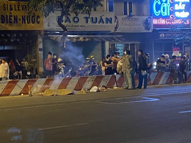 TP.HCM: Sau va chạm với xe máy khác, nam thanh niên bỏ mặc người bạn tử vong và để lại túi xách nữ rồi bỏ chạy - Ảnh 1.