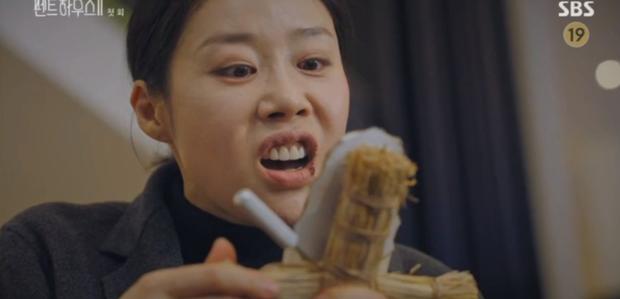 Penthouse 2 mở màn đỉnh cao: Seo Jin lăn giường với chồng cũ, bạo lực dồn dập xứng danh 19+ - Ảnh 7.