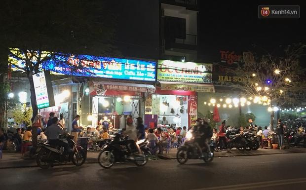 """Quán nhậu ở TP. Thủ Đức, beer club trên """"phố nhậu"""" Phạm Văn Đồng vẫn chật kín khách trong cao điểm phòng dịch Covid-19 - Ảnh 14."""