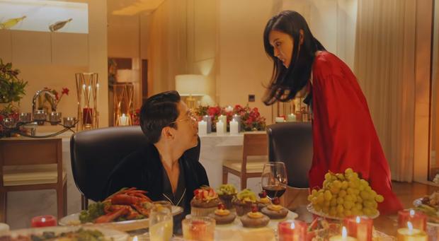 Preview Penthouse tập 2: Seo Jin sôi máu nhìn chồng cũ tình tứ bên Yoon Hee, ghen vậy là kì nha chị ơi! - Ảnh 2.