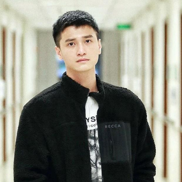 """1 nam diễn viên bị tố dùng nhẫn cầu hôn rồi """"lật kèo"""" đòi hoàn tiền 100%, Huỳnh Anh bị netizen réo gọi vì loạt chi tiết trùng hợp - Ảnh 7."""