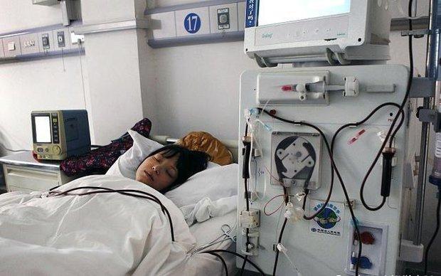 Nữ sinh 22 tuổi nhập viện vì nhồi máu não đột ngột, nguyên nhân là do hành động thường xuyên làm sau khi quan hệ - Ảnh 1.