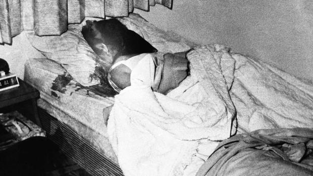 Rợn gáy phim tài liệu về Ted Bundy - con quỷ tàn bạo hàng đầu nước Mỹ đã giết hại hơn 30 gái trẻ bằng vẻ ngoài soái ca - Ảnh 3.