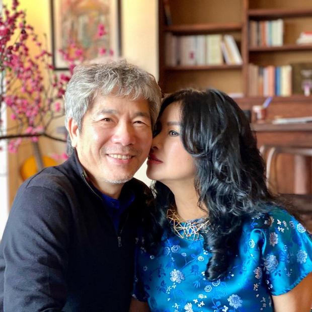 Thanh Lam đăng ảnh tình tứ bên bạn trai bác sĩ, chồng cũ Quốc Trung liền bình luận điều này - Ảnh 2.