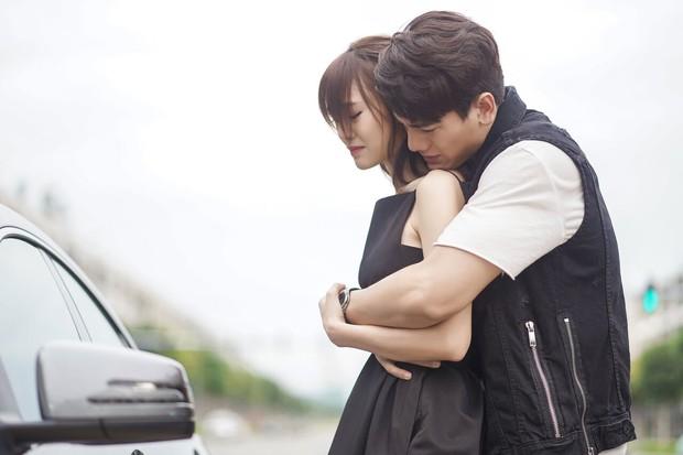 5 chuyện tình trai trẻ lái gái già nức tiếng phim châu Á: Hot nhất là Lee Ji Ah và đại gia Penthouse còn gì! - Ảnh 2.