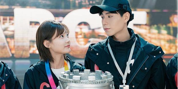 5 chuyện tình trai trẻ lái gái già nức tiếng phim châu Á: Hot nhất là Lee Ji Ah và đại gia Penthouse còn gì! - Ảnh 13.