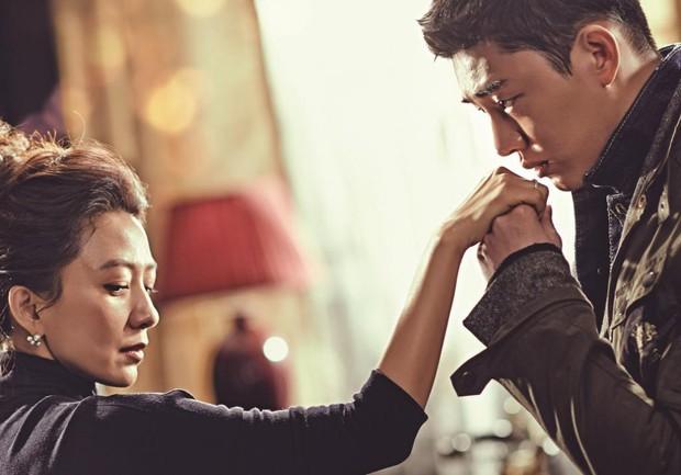 5 chuyện tình trai trẻ lái gái già nức tiếng phim châu Á: Hot nhất là Lee Ji Ah và đại gia Penthouse còn gì! - Ảnh 15.