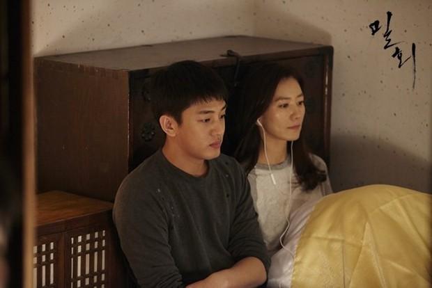 5 chuyện tình trai trẻ lái gái già nức tiếng phim châu Á: Hot nhất là Lee Ji Ah và đại gia Penthouse còn gì! - Ảnh 16.