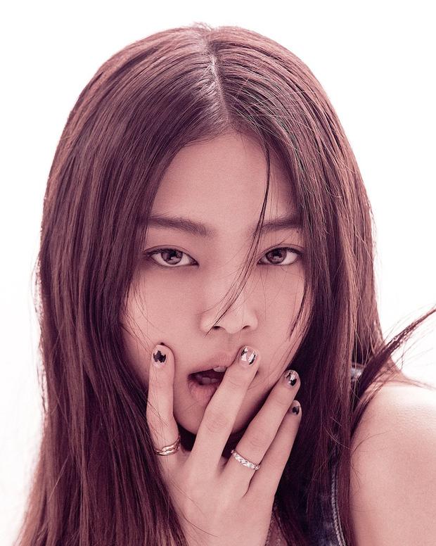 Jennie làm fashion editor cho VOGUE Hàn Quốc: Fan siêu tự hào, nhìn full bộ ảnh mà nức nở! - Ảnh 1.