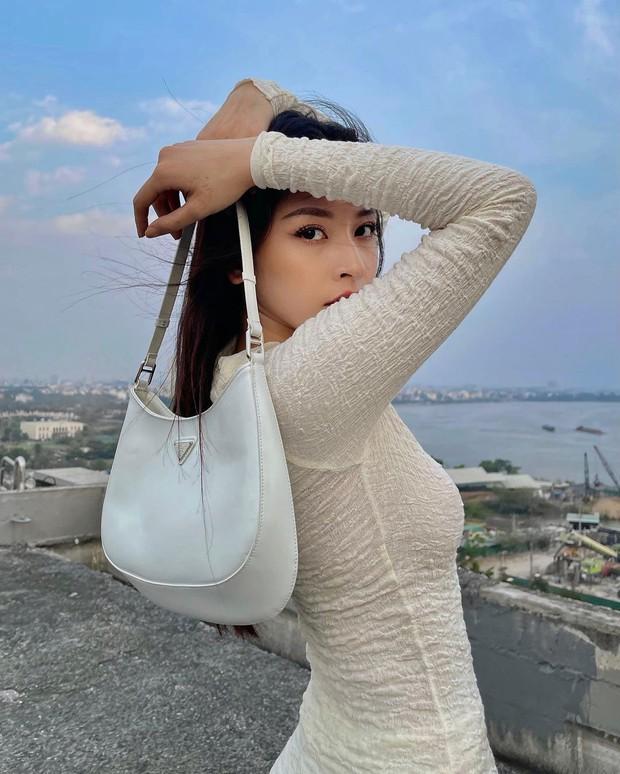 Instagram look của sao Việt tuần qua: Xoài Non khoe body cực mê, Lan Ngọc sexy chẳng thua miếng nào - Ảnh 1.