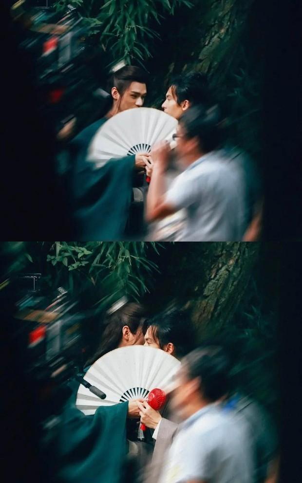 Cặp đam mỹ Thiên Nhai Khách khoe mũi cao phát hờn, còn cùng nhau đi chung chiếc ố siêu cưng ở phim trường - Ảnh 7.
