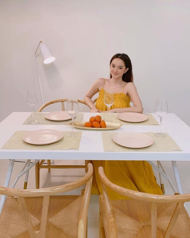 Kaity Nguyễn khoe bộ bàn ăn 12 triệu xinh phát hờn, ai cần sắm cho Tết nên tia gấp - Ảnh 1.