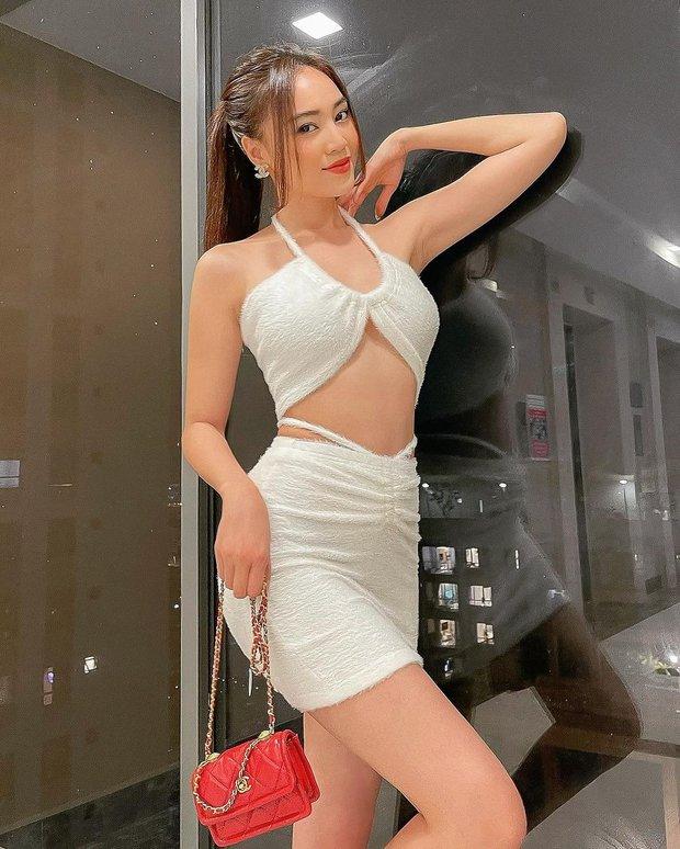 Instagram look của sao Việt tuần qua: Xoài Non khoe body cực mê, Lan Ngọc sexy chẳng thua miếng nào - Ảnh 2.