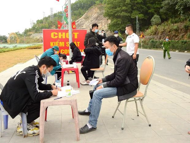 Quảng Ninh phong tỏa 6 xã, 1 thị trấn thuộc huyện Vân Đồn từ 0h ngày 2/2 - Ảnh 2.