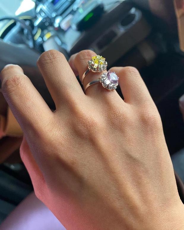 Đồ xịn nhờ người là có thật: HyunA chỉ đeo nhẫn 185K mà ai cũng tưởng 185 triệu, netizen khắp nơi khen tới tấp - Ảnh 3.