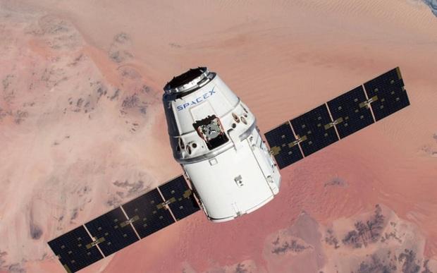 Muốn được bay vào vũ trụ cùng SpaceX, bạn không cần giàu có, chỉ cần may mắn - Ảnh 1.