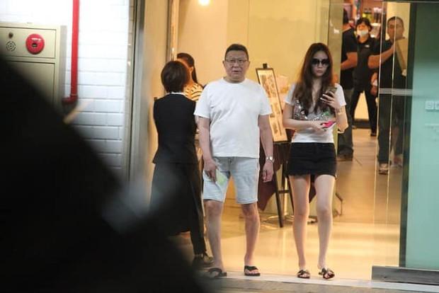 Drama nhiều tập của ông vua viễn thông Đài Loan: Tỷ phú ngoại tình nhiều lần, cuối cùng phải lãnh hậu quả cay đắng vì cuộc đời có vay có trả - Ảnh 5.