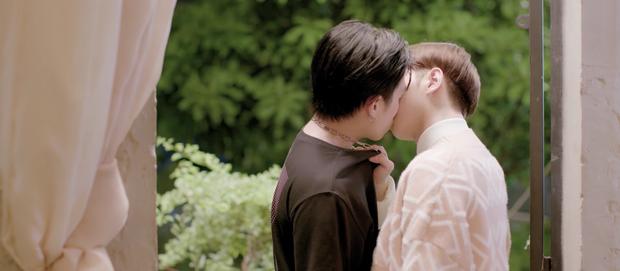 Cặp đam mỹ CoDu hôn nhau dính cả môi, không biết đã bị camera tóm sống ở tập 5 Em Là Chàng Trai Của Anh - Ảnh 8.