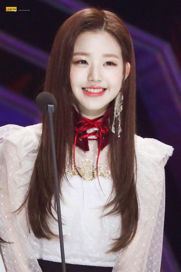 """So nhan sắc hiện tại và 2 năm trước của nữ idol chân dài nhất Kpop tại SMA, Knet không khỏi nức nở: """"Đúng là chưa biết xấu là gì"""" - Ảnh 2."""