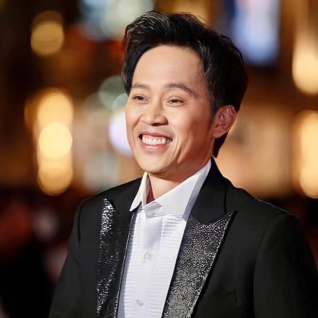 """""""Hot TikToker"""" Hoài Linh vừa đu trend xài app đã gây nổ MXH, nhan sắc 16 tuổi thế này không debut làm idol Kpop hơi phí! - Ảnh 4."""