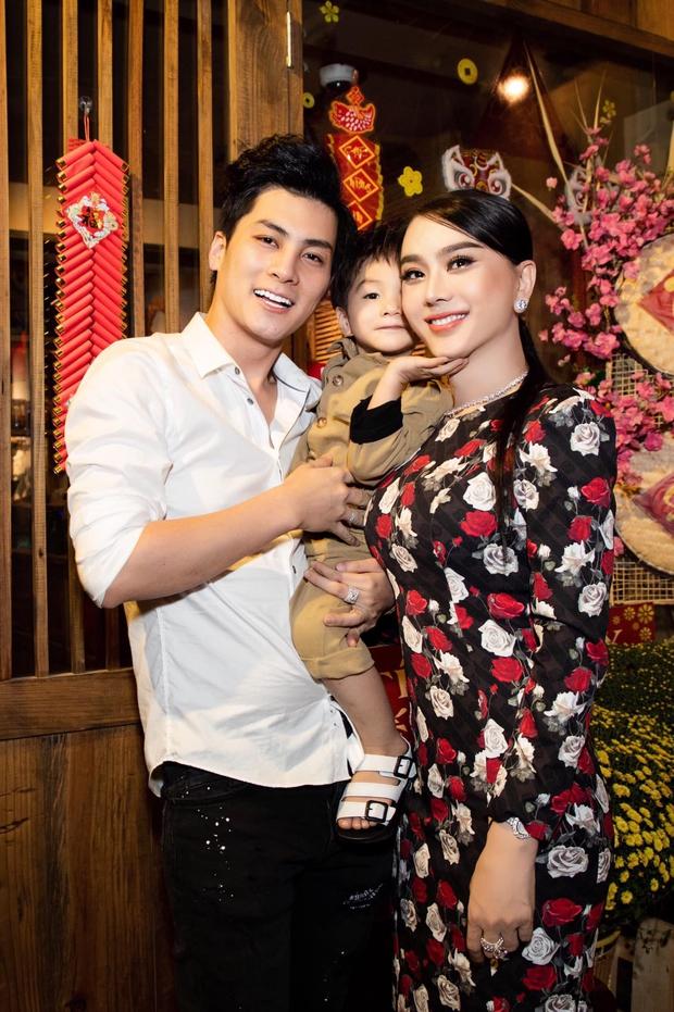 Lâm Khánh Chi nói rõ chuyện chồng trẻ bị đồn cưới vì tiền, tiết lộ nợ hơn 1 tỷ với lãi suất cắt cổ sau khi chuyển giới - Ảnh 3.