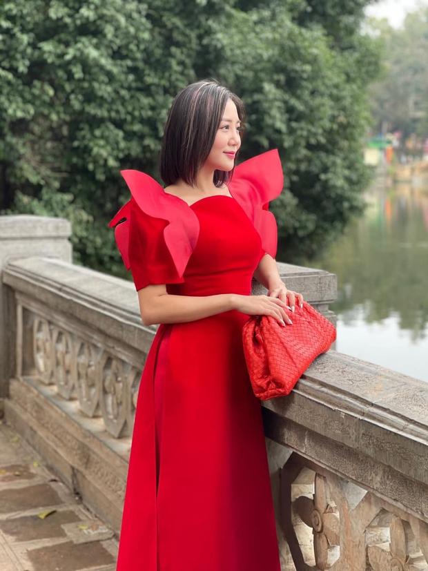 Ninh Dương Lan Ngọc, Khánh Linh và loạt mỹ nhân Vbiz đụng chung 1 kiểu áo dài, ai diện đẹp nhất? - Ảnh 6.