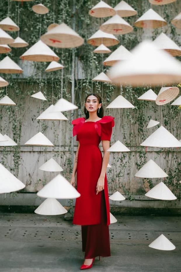 Ninh Dương Lan Ngọc, Khánh Linh và loạt mỹ nhân Vbiz đụng chung 1 kiểu áo dài, ai diện đẹp nhất? - Ảnh 4.