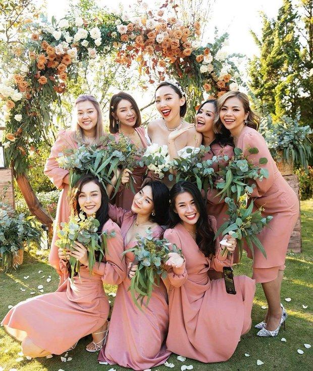 Hoàng Touliver tặng hoa kỷ niệm 1 năm ngày cưới cho Tóc Tiên, ai ngờ bị vợ đáp lại bằng cách gọi là lạ - Ảnh 5.