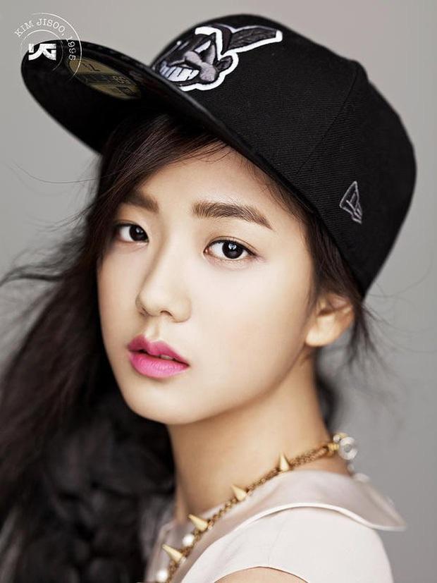 Rần rần ảnh Jisoo (BLACKPINK) trước khi debut: Đóng quảng cáo thôi đã được dự đoán là nữ thần, còn gây sốt bên Lee Min Ho - Ảnh 6.
