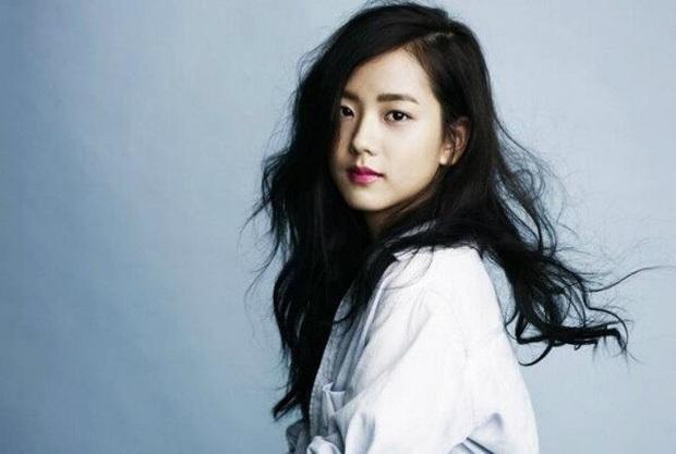 Rần rần ảnh Jisoo (BLACKPINK) trước khi debut: Đóng quảng cáo thôi đã được dự đoán là nữ thần, còn gây sốt bên Lee Min Ho - Ảnh 8.
