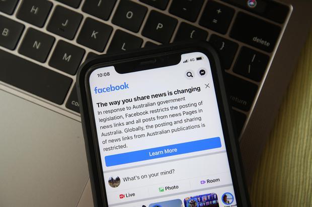 Thế lực ngầm của các BigTech: Vì sao Facebook quyết chiến với Australia còn Google thì không? - Ảnh 2.