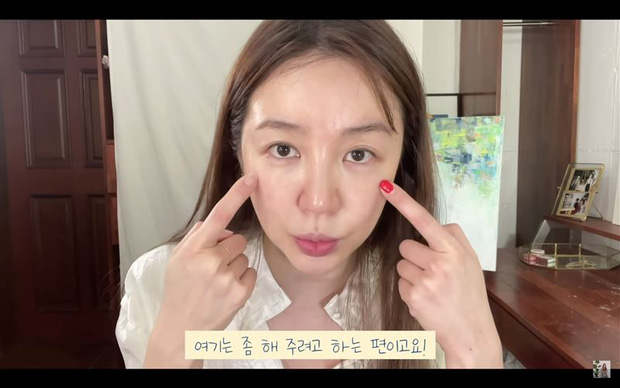 Sốc nặng trước cảnh căn nhà bừa bộn, đồ đạc chất đống như rác và nhan sắc biến dạng của Yoon Eun Hye (Hoàng Cung) - Ảnh 7.